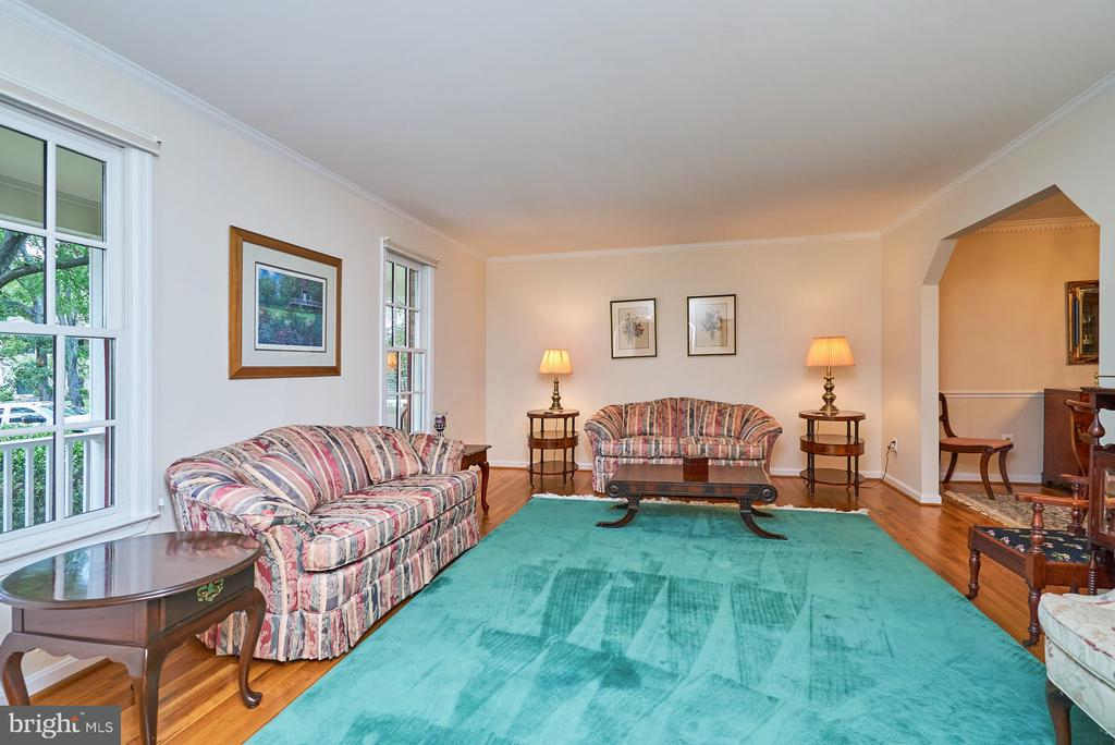 Hardwood Floor in the Formal Living Room - 11902 HOLLY SPRING DR, GREAT FALLS