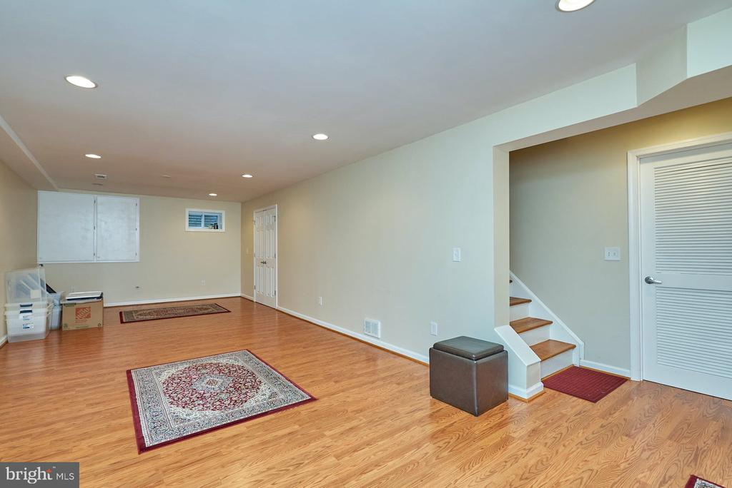 Huge Recreation Room in the Lower Level - 11902 HOLLY SPRING DR, GREAT FALLS