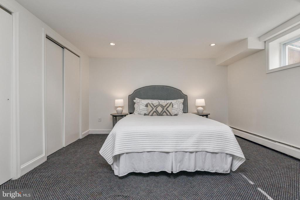 office/ potential 4th bedroom - 10106 GREENOCK RD, SILVER SPRING