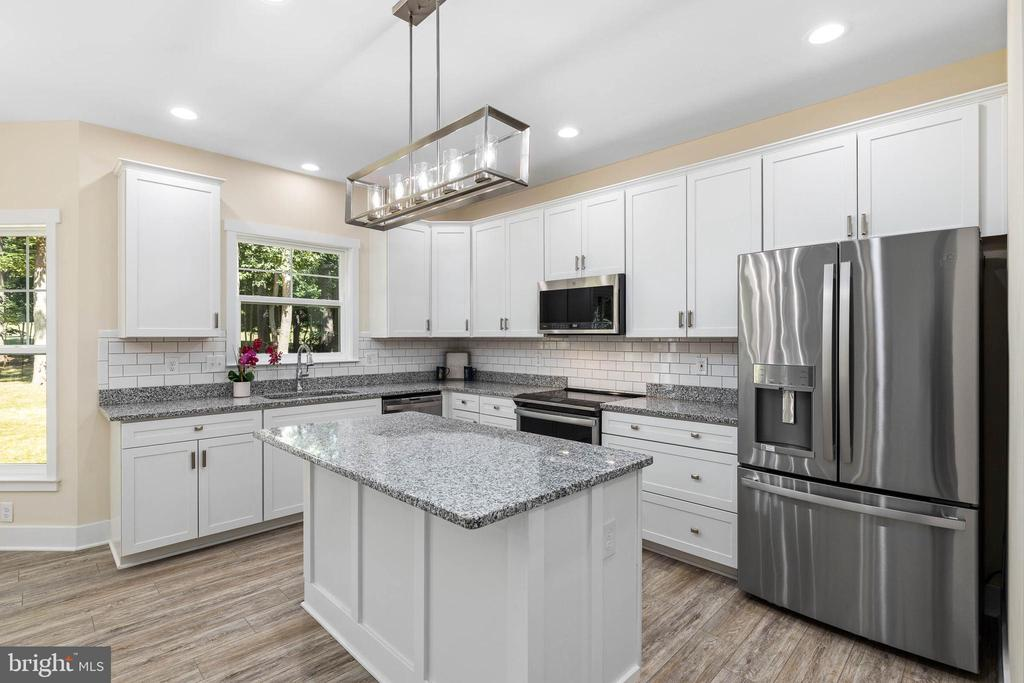 Upgraded GE Profile appliances - 207 WASHINGTON ST, LOCUST GROVE