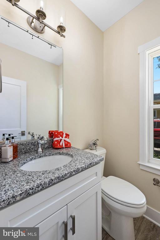 Half bath on main level - 207 WASHINGTON ST, LOCUST GROVE