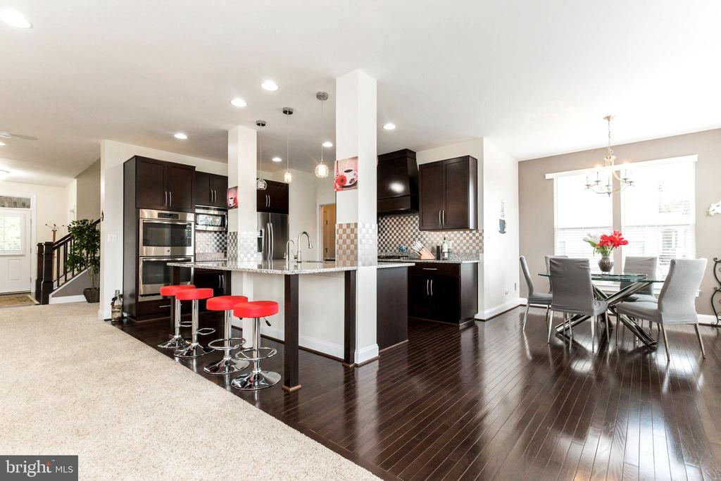 Beautiful floors - 23384 MORNING WALK DR, BRAMBLETON