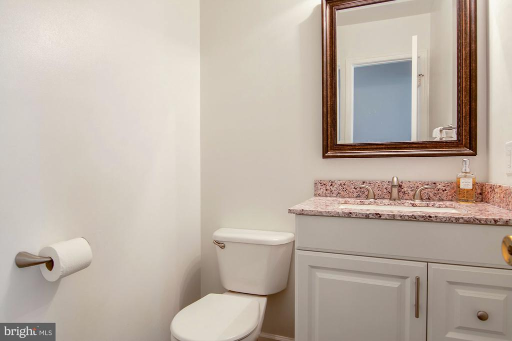 Updated half bathroom - 205 SAIL CV, STAFFORD