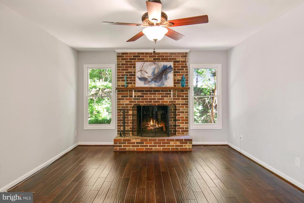 Wood floors in family room - 205 SAIL CV, STAFFORD