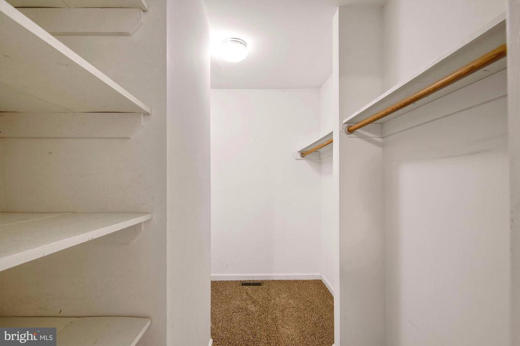 Large walk-in closet - 205 SAIL CV, STAFFORD