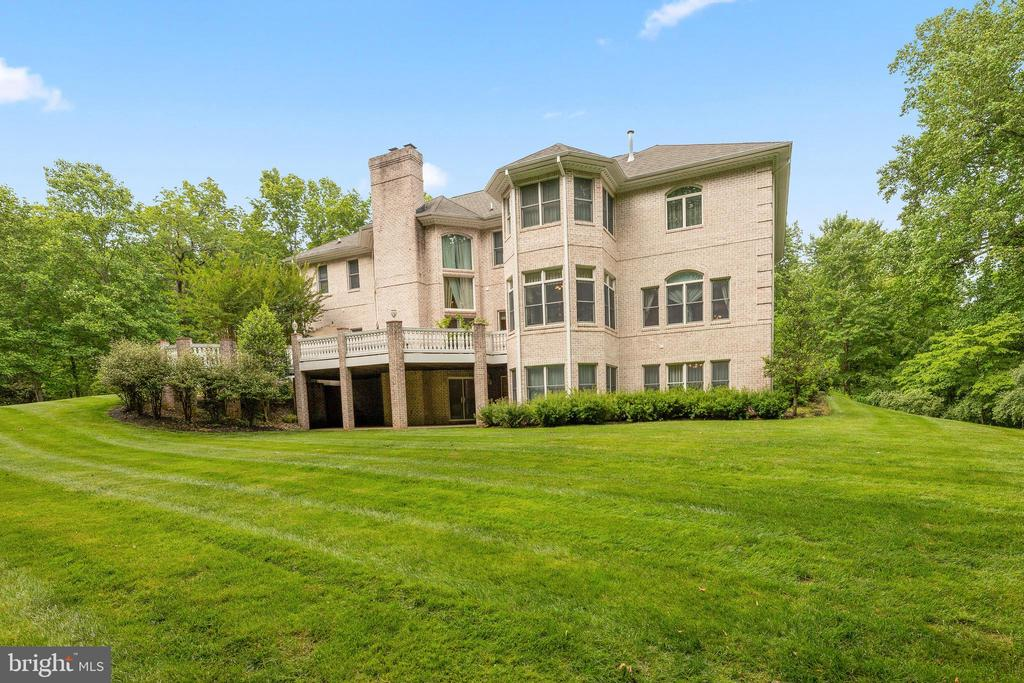 Exterior and Yard - 11536 MANORSTONE LN, COLUMBIA