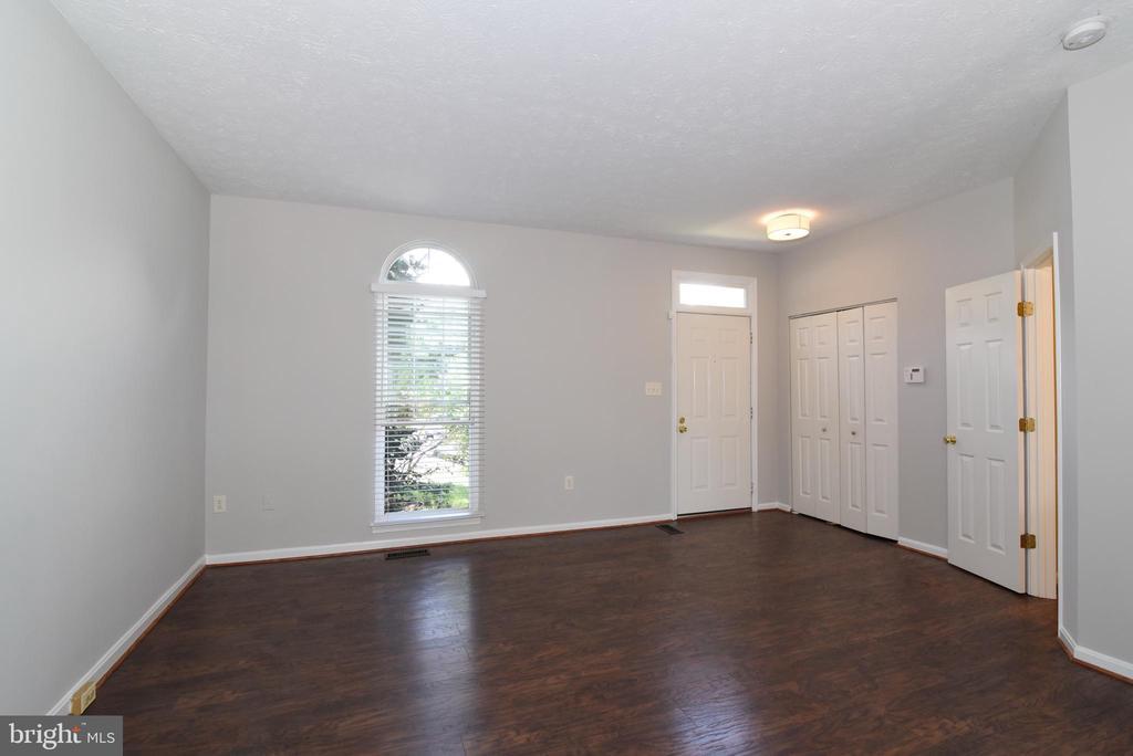 Entry-Living Room - 44077 TIPPECANOE TER, ASHBURN