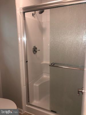 Shower - 315 LIMESTONE LN, LOCUST GROVE