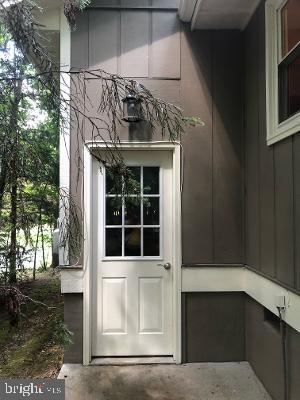 Garage door to outside - 315 LIMESTONE LN, LOCUST GROVE