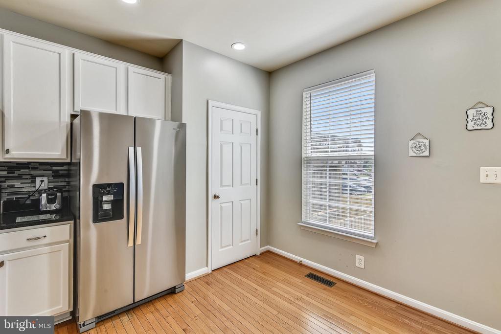 New refrigerator 2021 - 502 TWINTREE TER NE, LEESBURG