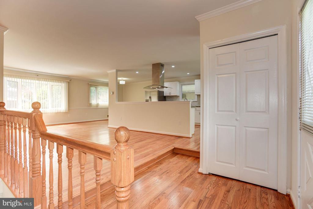 Foyer - 13300 COLLINGWOOD TER, SILVER SPRING