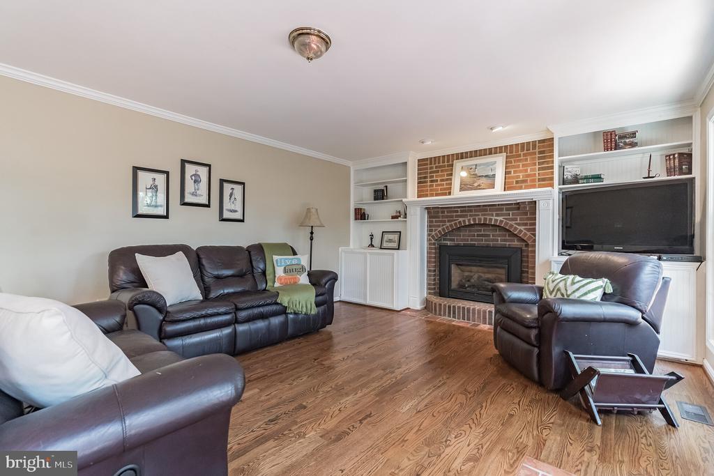 Beautiful hardwood floors - 14 JUSTIN CT, STAFFORD