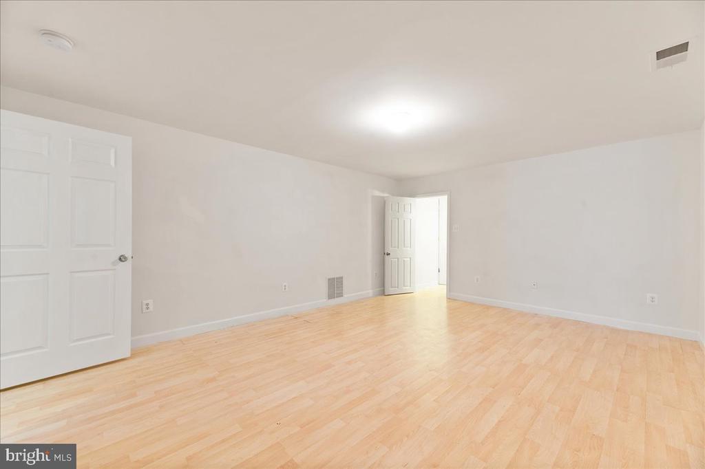 Additional room in basement - 17510 LETHRIDGE CIR, ROUND HILL