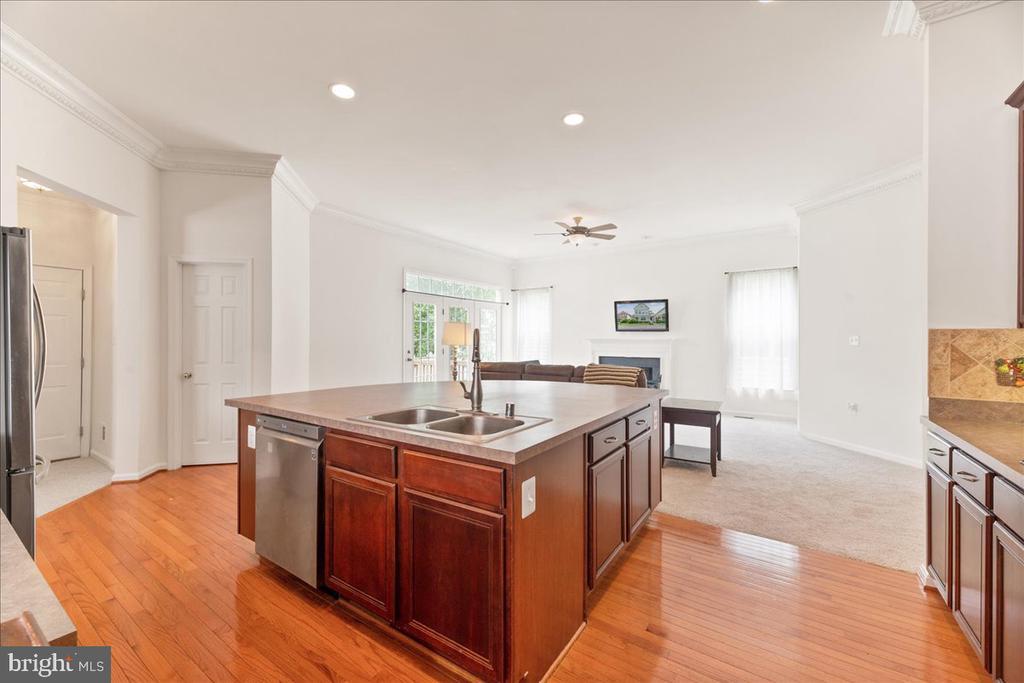 kitchen - 17510 LETHRIDGE CIR, ROUND HILL