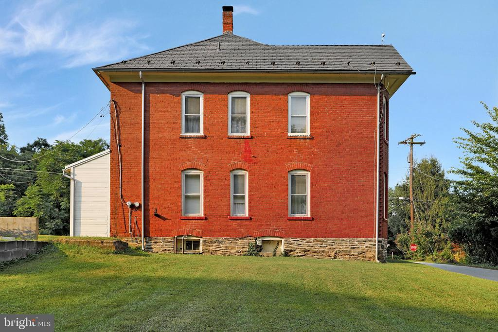 Exterior rear - 898 FILLMORE ST, HARPERS FERRY