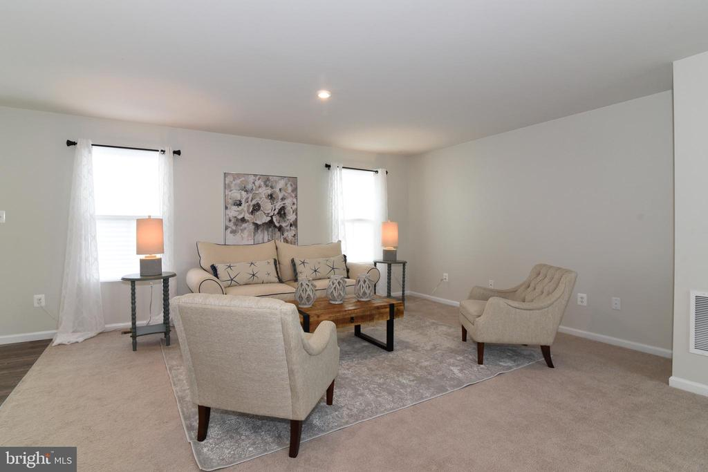 Family Room - 348 TICKSEED CT, BUNKER HILL