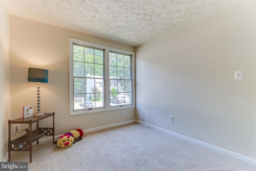 Fresh carpet and paint (2021) - 3594 WHARF LN, TRIANGLE
