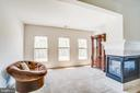 3 sided fireplace for those chilly evenings - 57 SNAPDRAGON DR, STAFFORD
