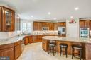 Tons of cabinetry and granite counter tops - 57 SNAPDRAGON DR, STAFFORD