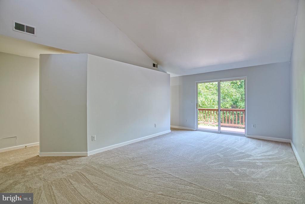 Large 2 room Primary Suite - 2211 CEDAR COVE CT, RESTON