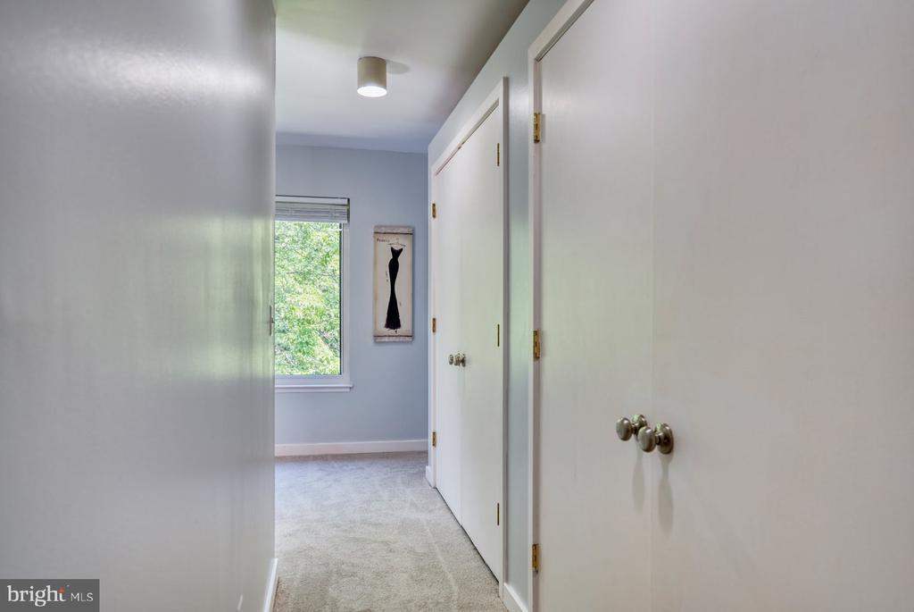 Primary Suite double closet off dressing room - 2211 CEDAR COVE CT, RESTON
