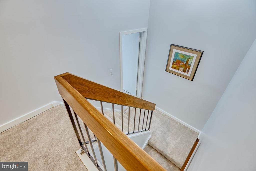 Stairway - 2211 CEDAR COVE CT, RESTON