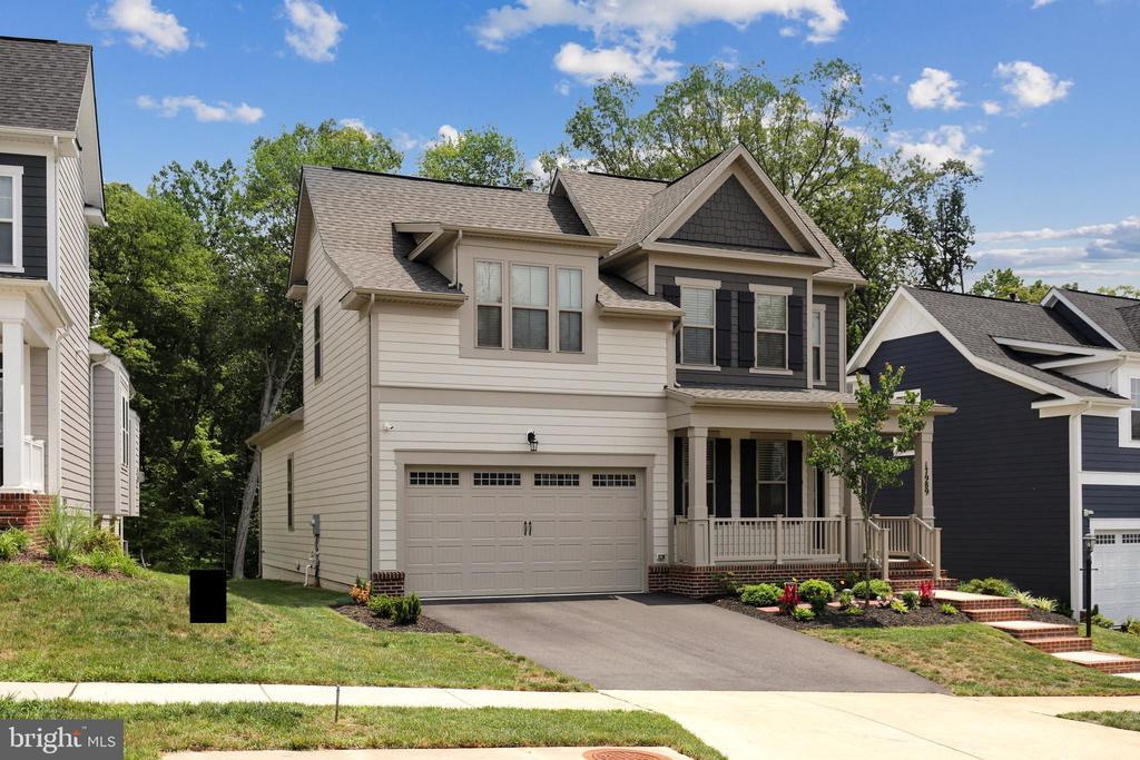 - 17989 WOODS VIEW DR, DUMFRIES