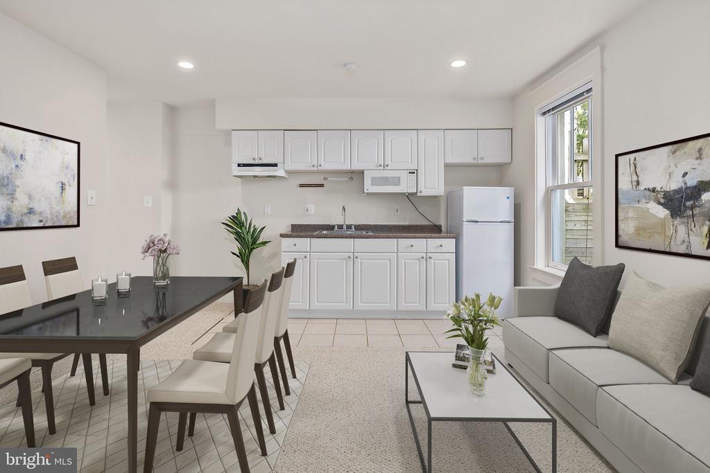 Kitchenette/living/dining area w/separate entrance - 1611 N BRYAN ST, ARLINGTON