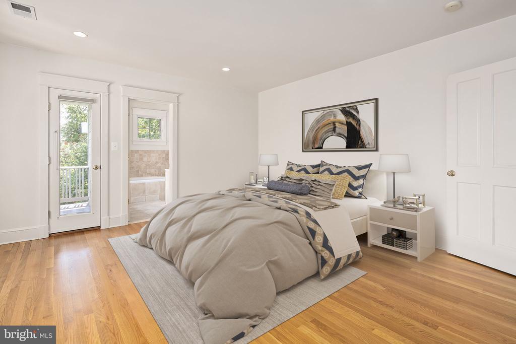 Primary bedroom suite - 1611 N BRYAN ST, ARLINGTON