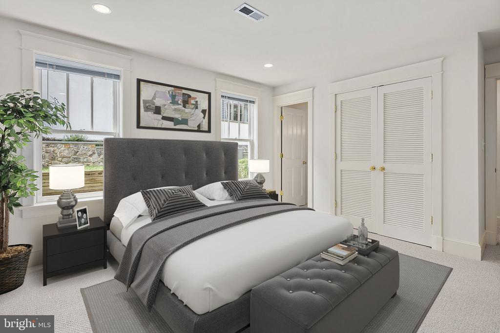 The fifth bedroom is on the lower level - 1611 N BRYAN ST, ARLINGTON