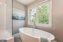 beautiful bath w/a view - 22606 HILLSIDE CIR, LEESBURG