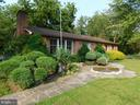 View of the fountain and lush landscaping - 239 KIMBLE RD, BERRYVILLE
