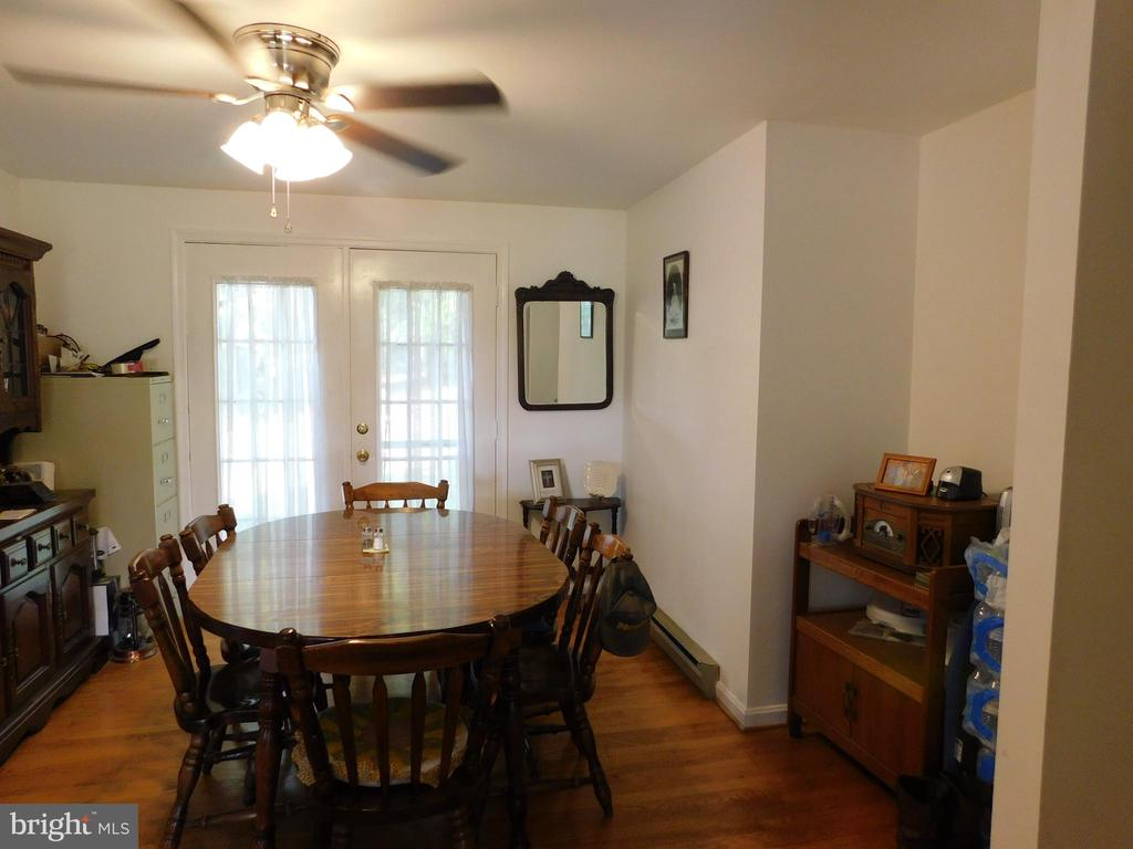 Large Dining Room - 239 KIMBLE RD, BERRYVILLE