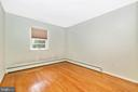 Third bedroom on the upper level - 703 WYNGATE DR, FREDERICK