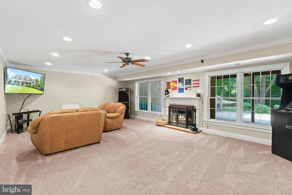 Large Rec room in the basement - 55 AZTEC DR, STAFFORD