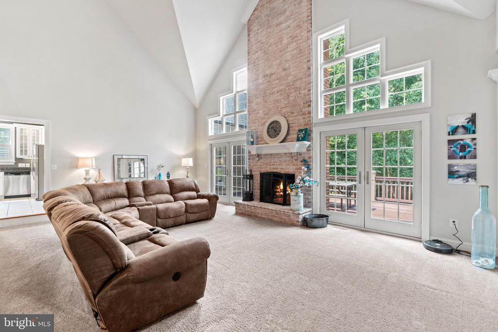 Vaulted Ceilings in Family Room - 55 AZTEC DR, STAFFORD