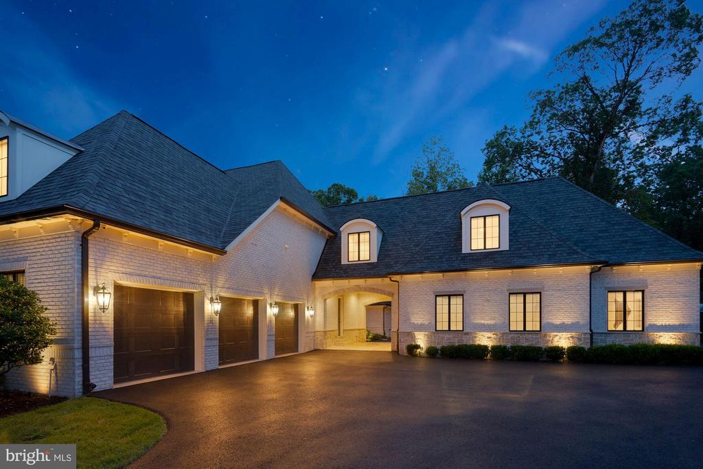 Six Car Garage and Porte Cochere - 22436 MADISON HILL PL, LEESBURG