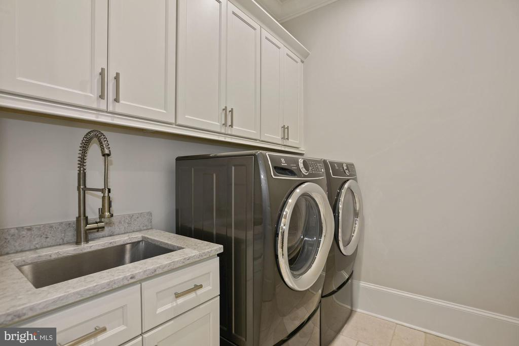 Main Level Laundry Room - 22436 MADISON HILL PL, LEESBURG