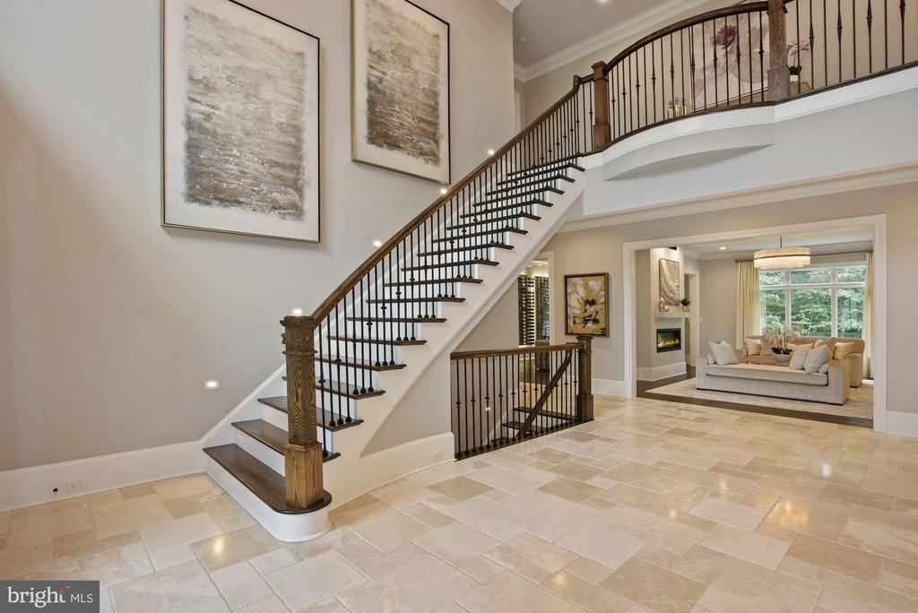 Dramatic Two Story Foyer Entry and Hall - 22436 MADISON HILL PL, LEESBURG