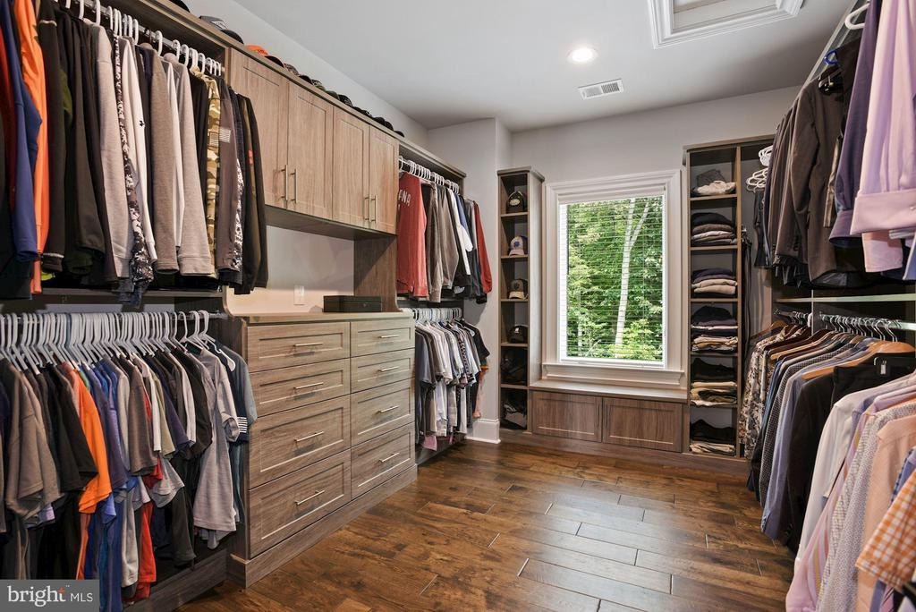 Walk-In Closet with Custom Dresser and Shelving - 22436 MADISON HILL PL, LEESBURG