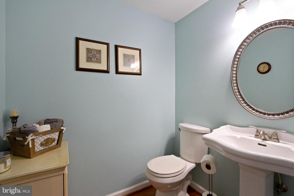 Half Bath - 4821 REGIMENT CT, WOODBRIDGE