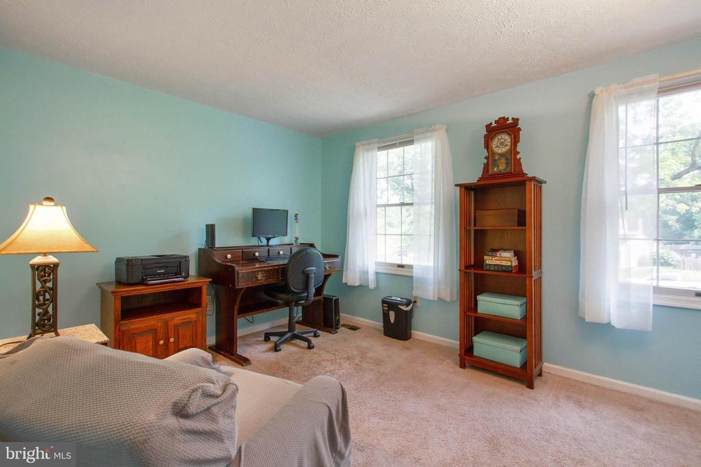 Bedroom 2 - 4821 REGIMENT CT, WOODBRIDGE