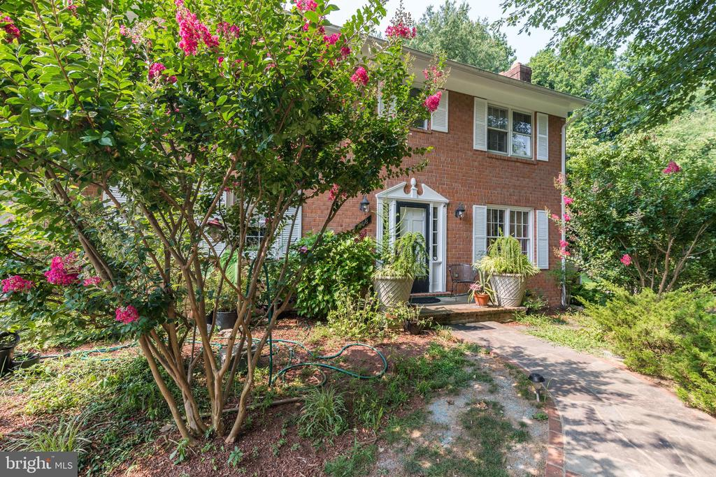 Main Entrance - 408 BEAUMONT RD, SILVER SPRING