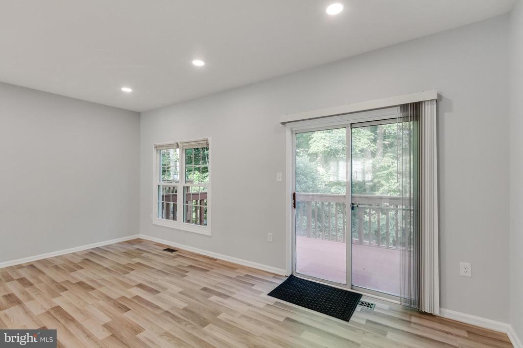 Living Room with Sliding Door to Deck - 11572 OVERLEIGH DR, WOODBRIDGE