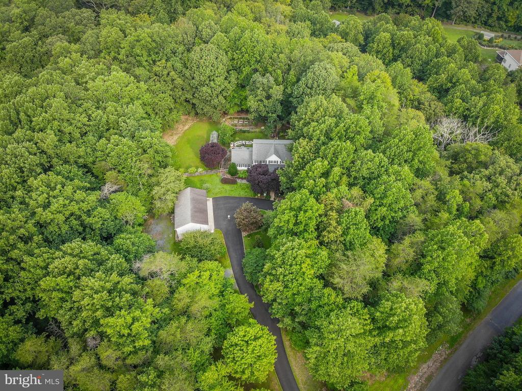 Property Aerial View - 8104 FLOSSIE LN, CLIFTON