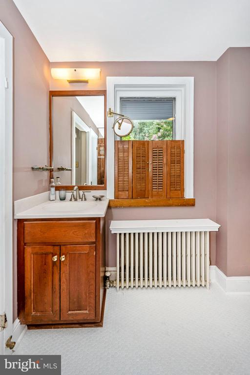 Bathroom - 212 E 3RD ST, FREDERICK