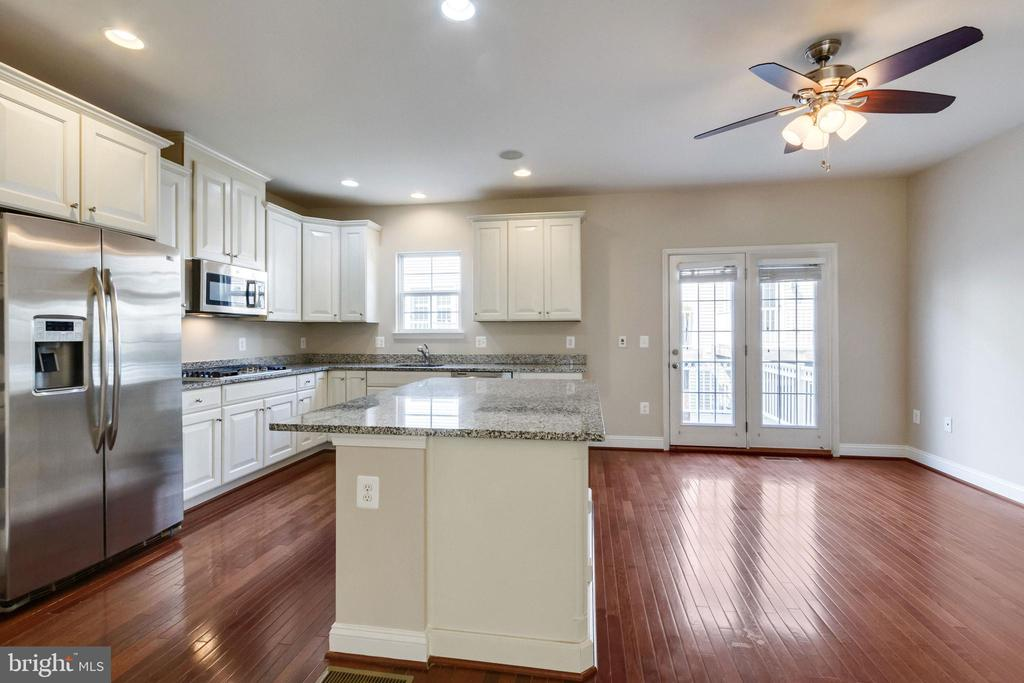 Kitchen and Breakfast Room - 4807 POTOMAC HIGHLANDS CIR, TRIANGLE