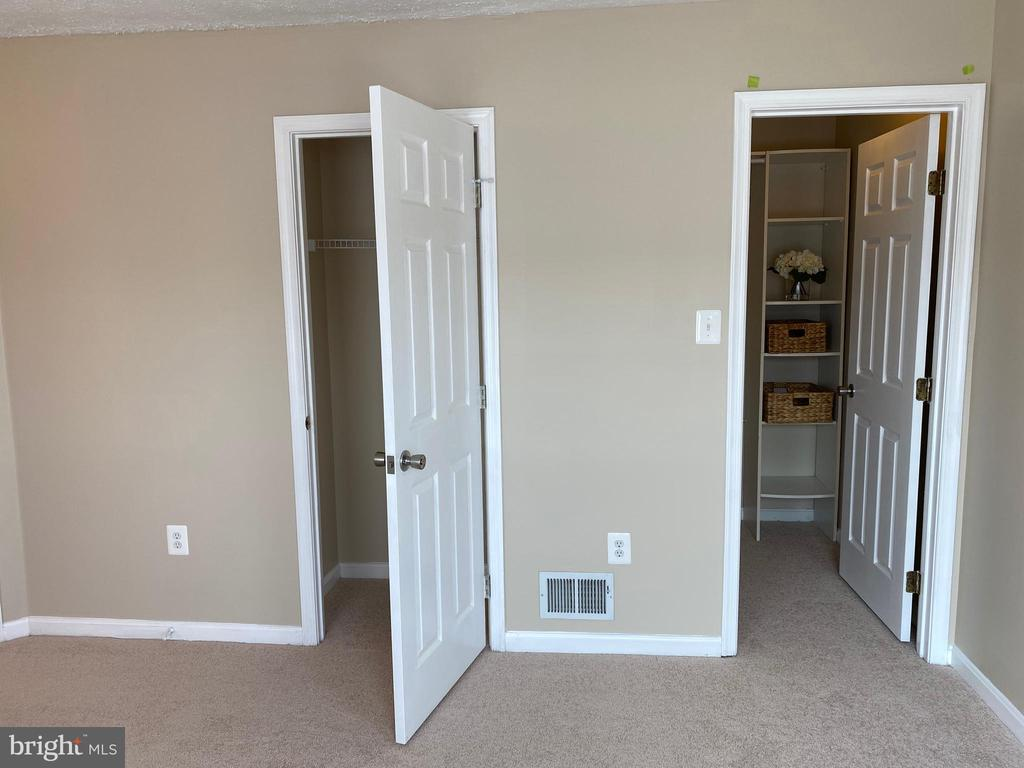 2 closets in Master Bedroom - 7960 CALVARY CT #138, MANASSAS
