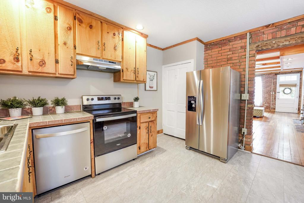 Tile Counters; New SS Appliances - 21 E SOUTH ST, FREDERICK