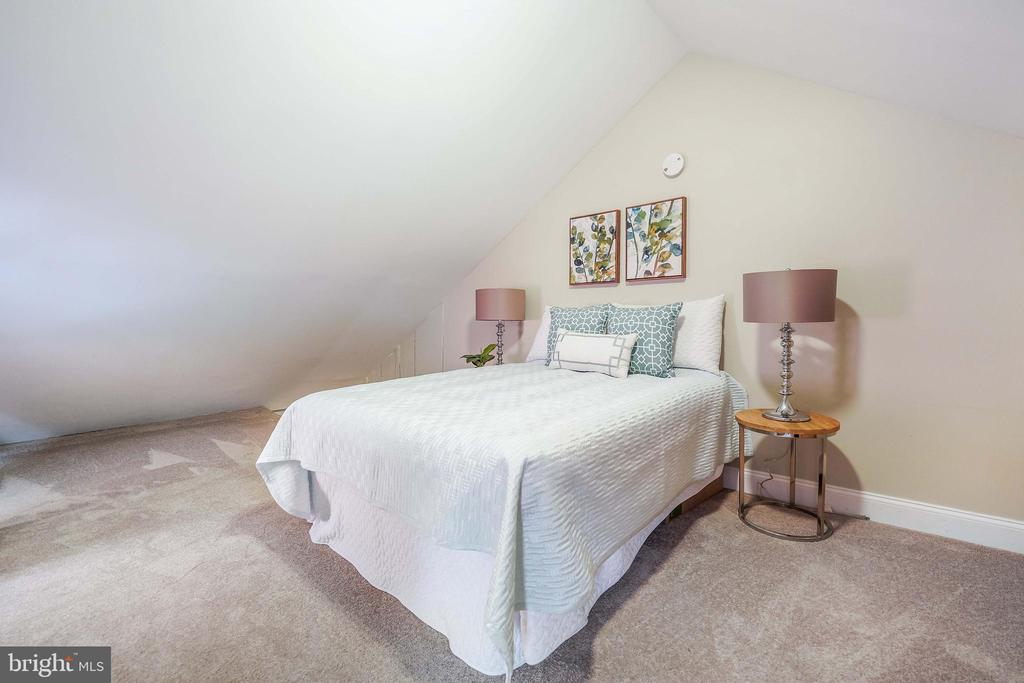 Fourth Level Finished Attic/3rd Bdrm/Office - 21 E SOUTH ST, FREDERICK